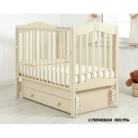Детская кроватка с универсальным маятником Ванечка